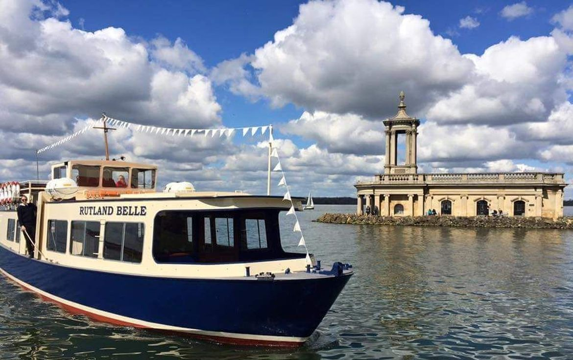 Stamford Market with a cruise on the Rutland Belle